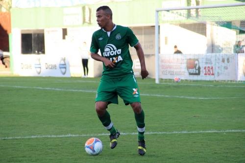 Ex-Chapecoense, zagueiro André Paulino reforça o 7 de Abril