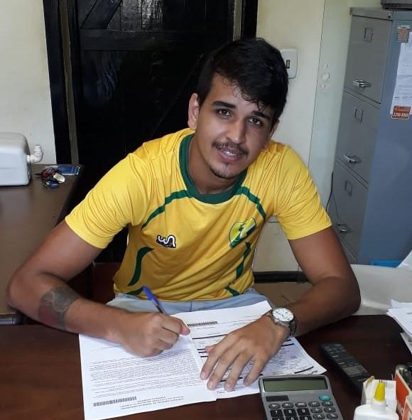 Com passagem pelo Fluminense no currículo, Higor Teixeira é o novo contratado do 7 de Abril