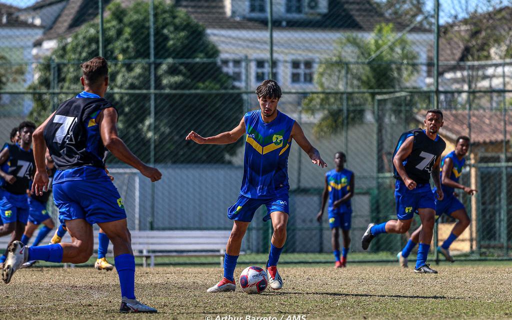 7 de Abril lança uniforme de treino e faz últimos ajustes para a estreia na Copa Rio